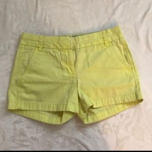 J crew Chino shorts broken in size 6